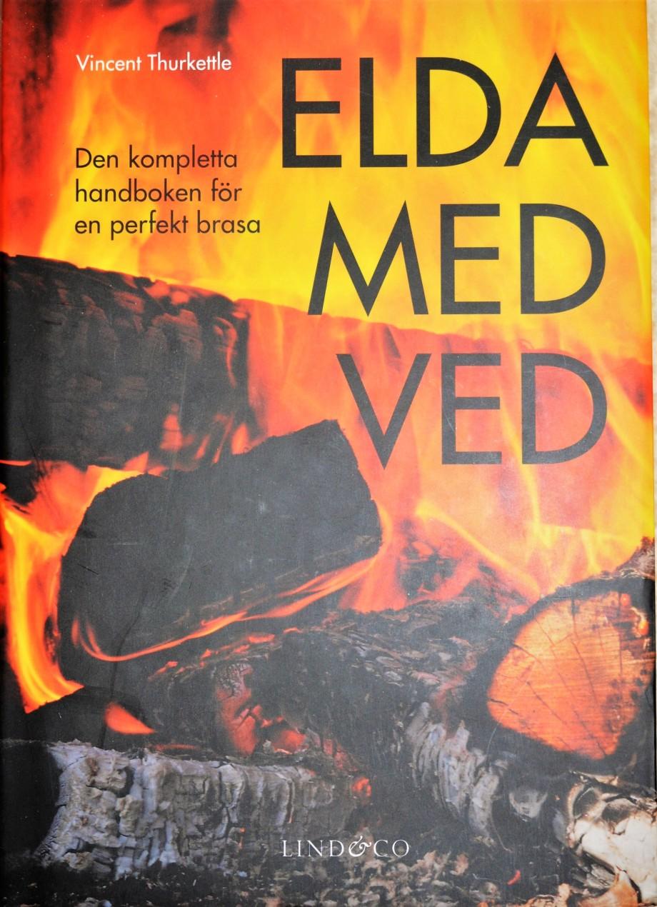 omslag till boken elda med ved av Vincent Thurkettle